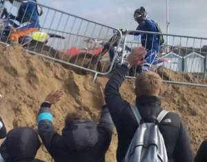 Simon Burnett completes Endurance Race - The HydroGarden Weston Beach Race.